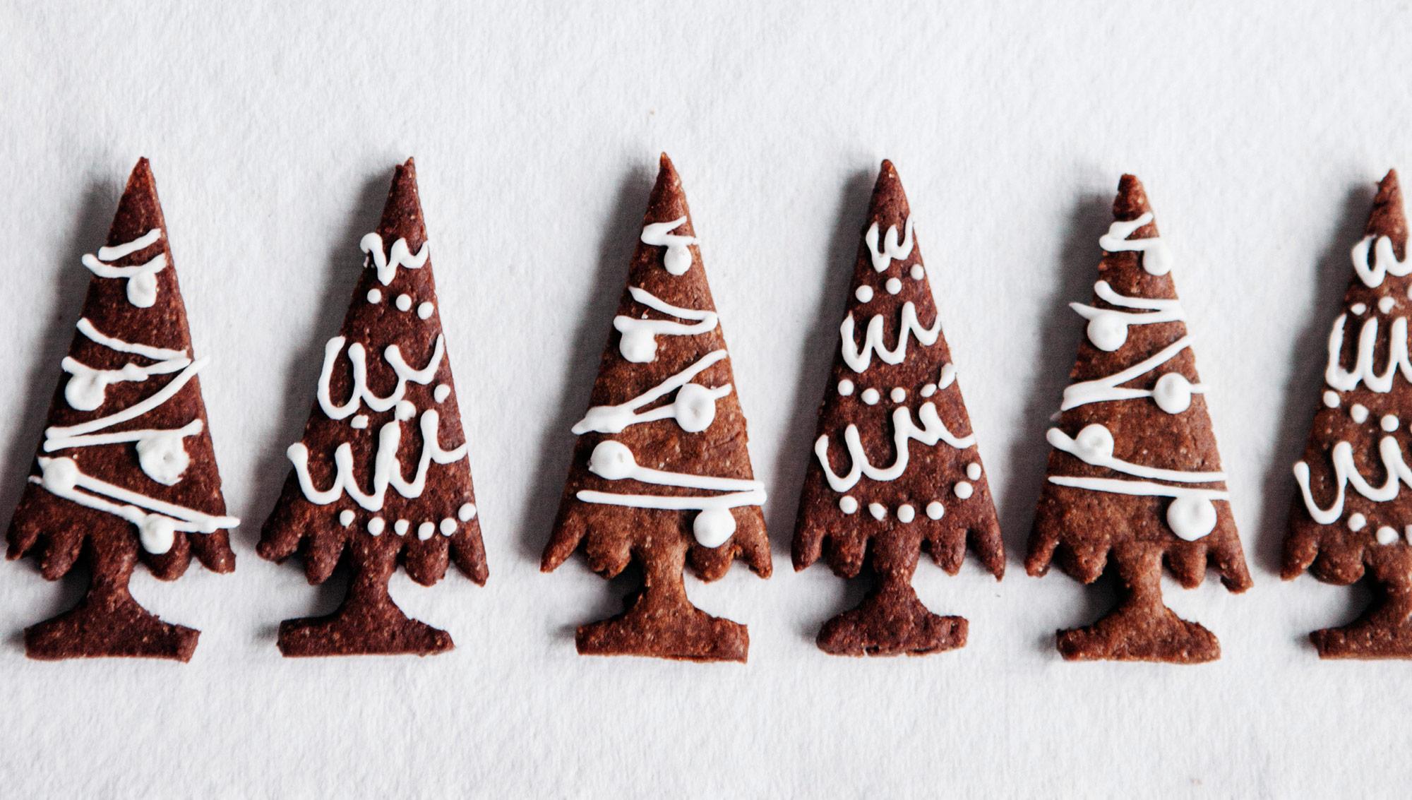 Entspannte Weihnachten – Rezepte für alle Fälle. Weihnachtsmailing mit Illustration und Grafikdesign von ELLIJOT und Foodfotografie von Claudia Gödke